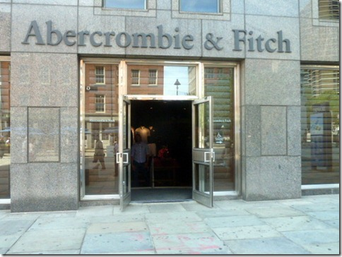 Abercrombie & Fitch open door